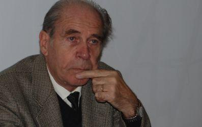 http://www.uniuneascriitorilor-filialacluj.ro/Poze/carti/david-gyula.jpg