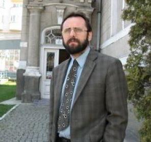 http://www.uniuneascriitorilor-filialacluj.ro/Poze/carti/malut.jpg