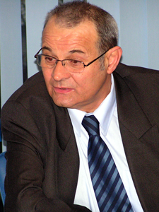 http://www.uniuneascriitorilor-filialacluj.ro/Poze/carti/radosav.png