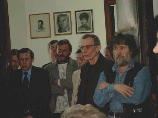 popescu, nedeea, negru, dragolea, vlad _ http://www.uniuneascriitorilor-filialacluj.ro/Poze/carti/Bild4130.jpg