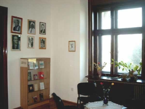 Sediul filialei memorial 2 _ http://www.uniuneascriitorilor-filialacluj.ro/Poze/carti/Bild6510.jpg