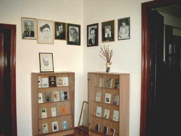 Sediul filialei memorial 3 _ http://www.uniuneascriitorilor-filialacluj.ro/Poze/carti/Bild6511.jpg