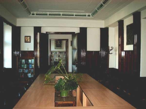 Sediul filialei 2 _ http://www.uniuneascriitorilor-filialacluj.ro/Poze/carti/Bild6518.jpg