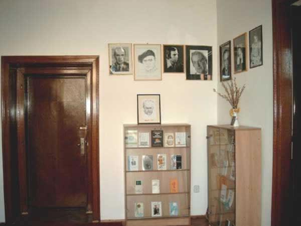 Sediul filialei memorial 7 _ http://www.uniuneascriitorilor-filialacluj.ro/Poze/carti/Bild6526.jpg