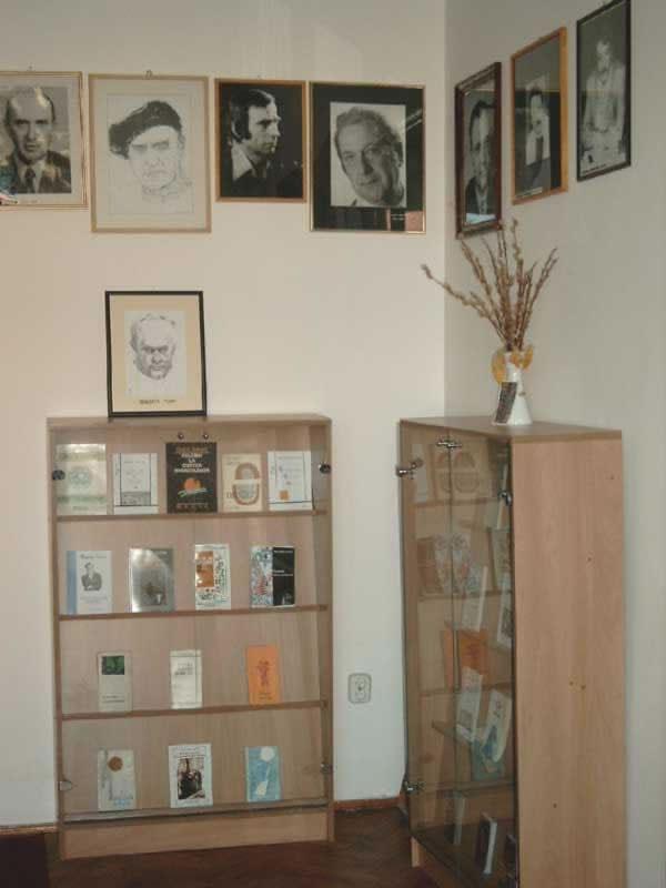 Sediul filialei memorial 8 _ http://www.uniuneascriitorilor-filialacluj.ro/Poze/carti/Bild6528.jpg