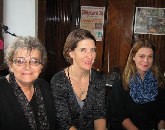 Irina Petraş Kari Braenne Margit Walso _ http://www.uniuneascriitorilor-filialacluj.ro/Poze/carti/cu_kari_mc.jpg